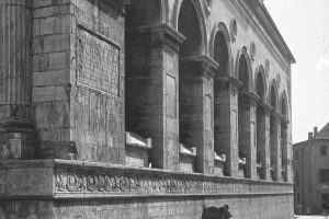 Sette sarcofagi a San Francesco
