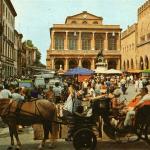 Mercato in Piazza Cavour