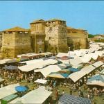 Mercato in Piazza Malatesta