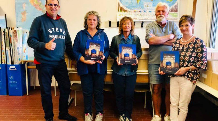 Donati i volumi alla Scuola Media Panzini Borghese
